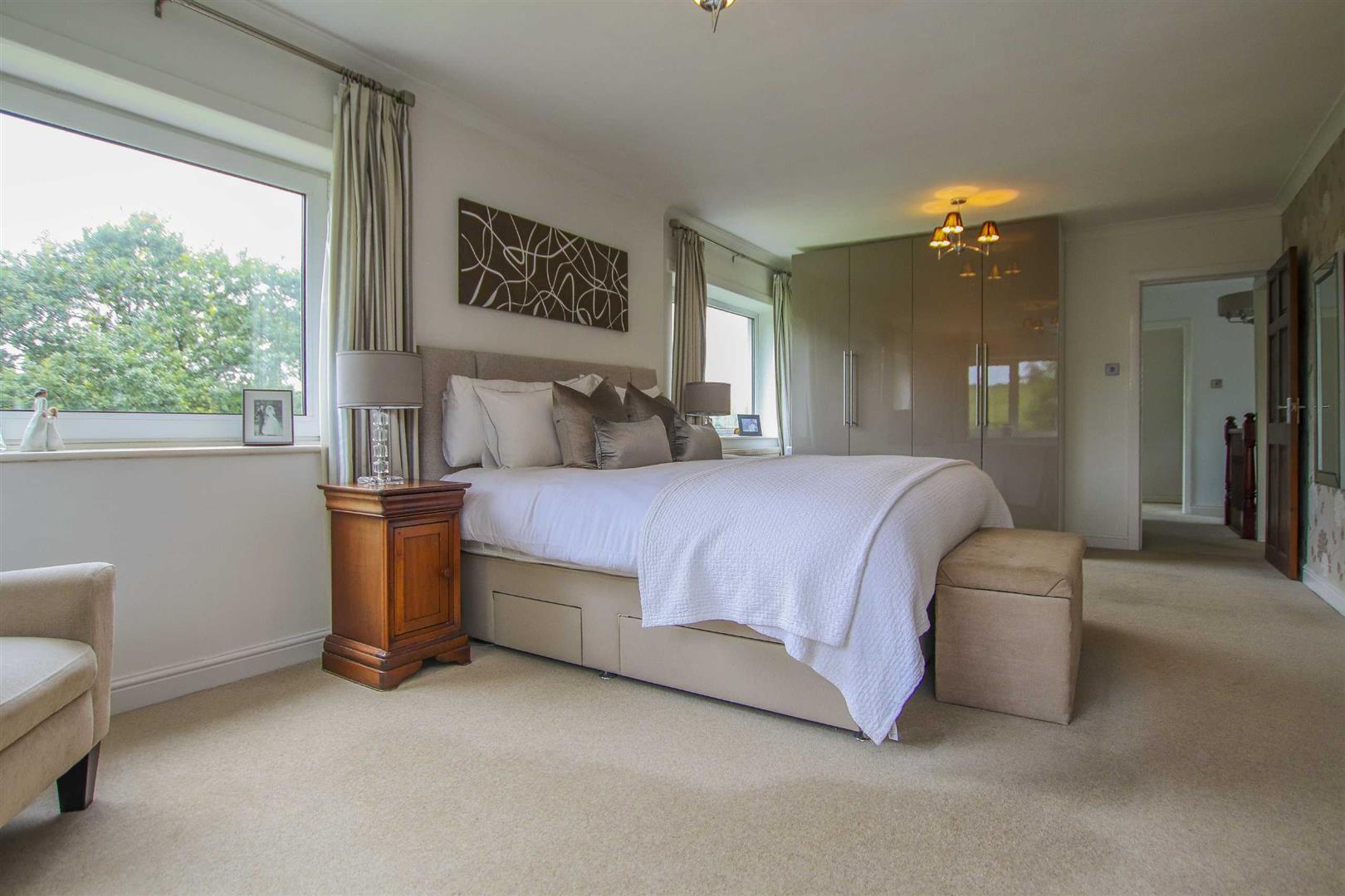 4 Bedroom Semi Detached Cottage For Sale - Image 7